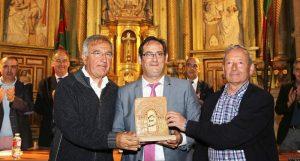 Monasterio de Sandoval. Premio al presidente de la asociación Promonumenta. Villaverde de Sandoval. León.  04 - junio - 2016. Secundino Pérez