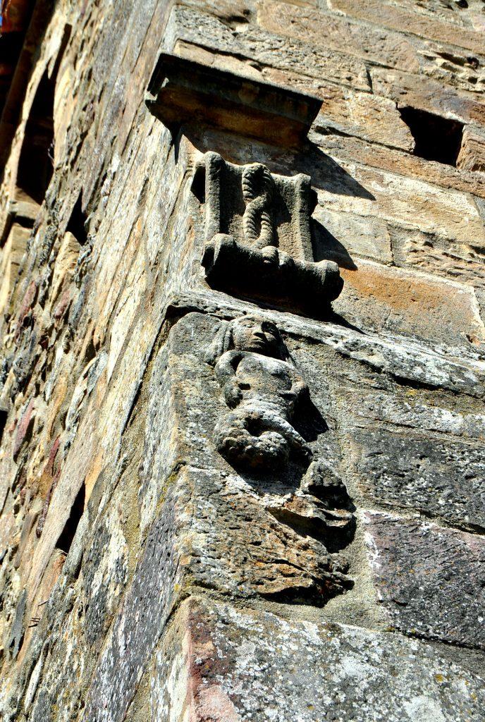 Sirena ¿románica? de la torre de San Martín