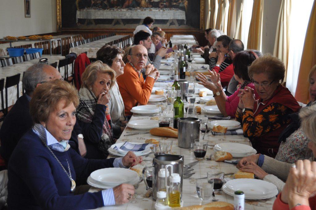 Comida en la residencia de jesuitas de Villagarcía.