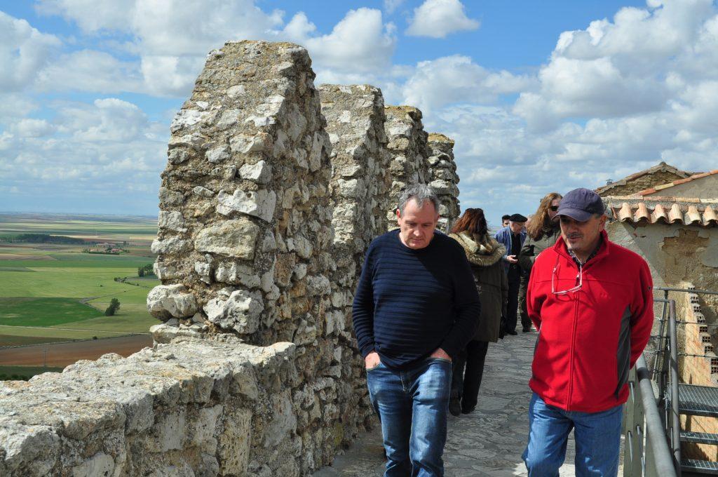 Un paseo por la muralla de Urueña.
