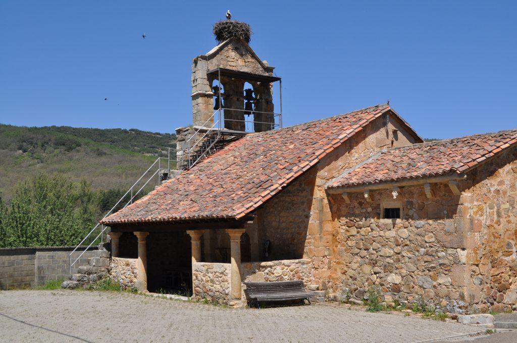 Iglesia del románico rural primitivo de Candanedo de Boñar.
