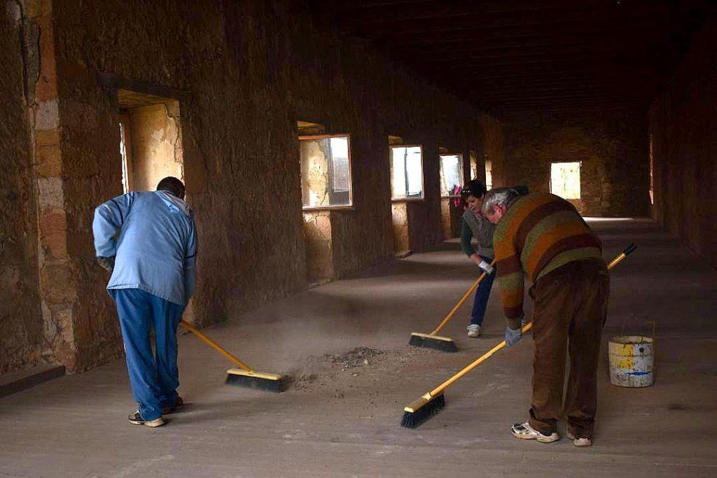 Limpieza de estancias y pasillos