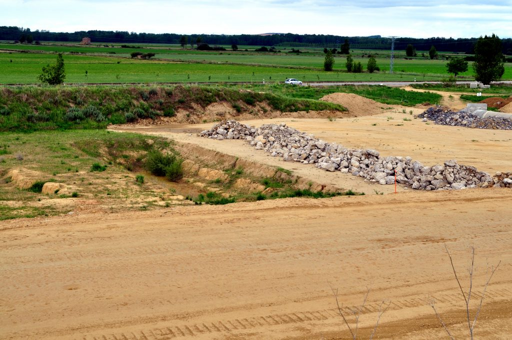 Las obras han avanzado justo hasta el lugar donde se hallan los hornos y otras estructuras romanas ya excavadas (estado al 3 de octubre de 2017).