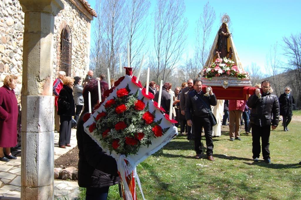 Procesión de Pascua y ramo de la Virgen de Boínas