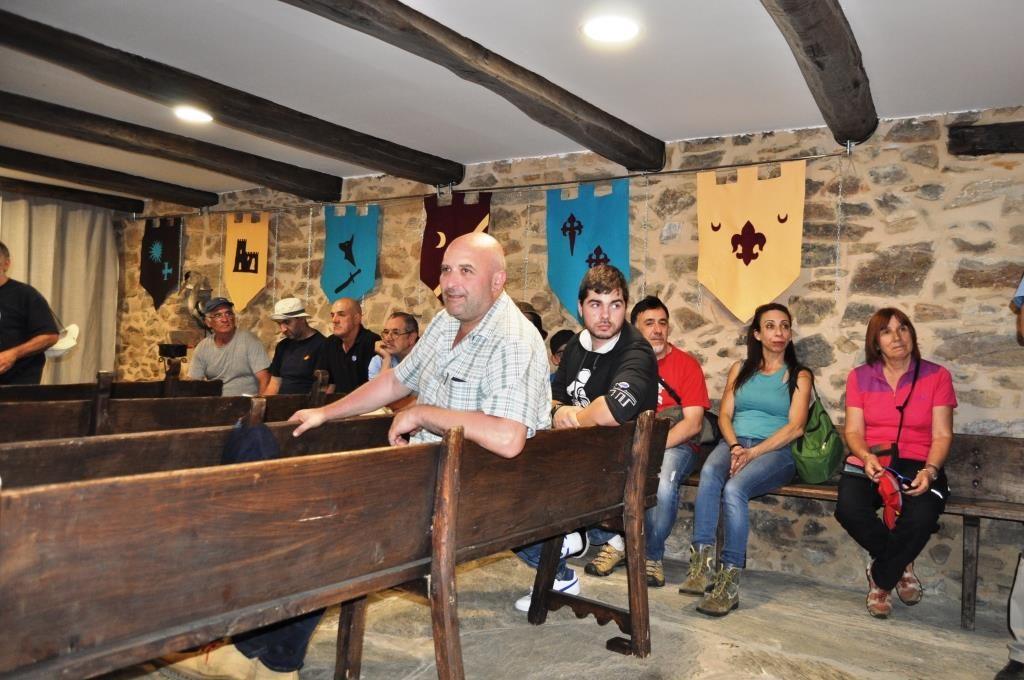 """Ya un poco cansados, en el Museo Etnográfico """"La Panera"""" de Palacios de la Valduerna."""