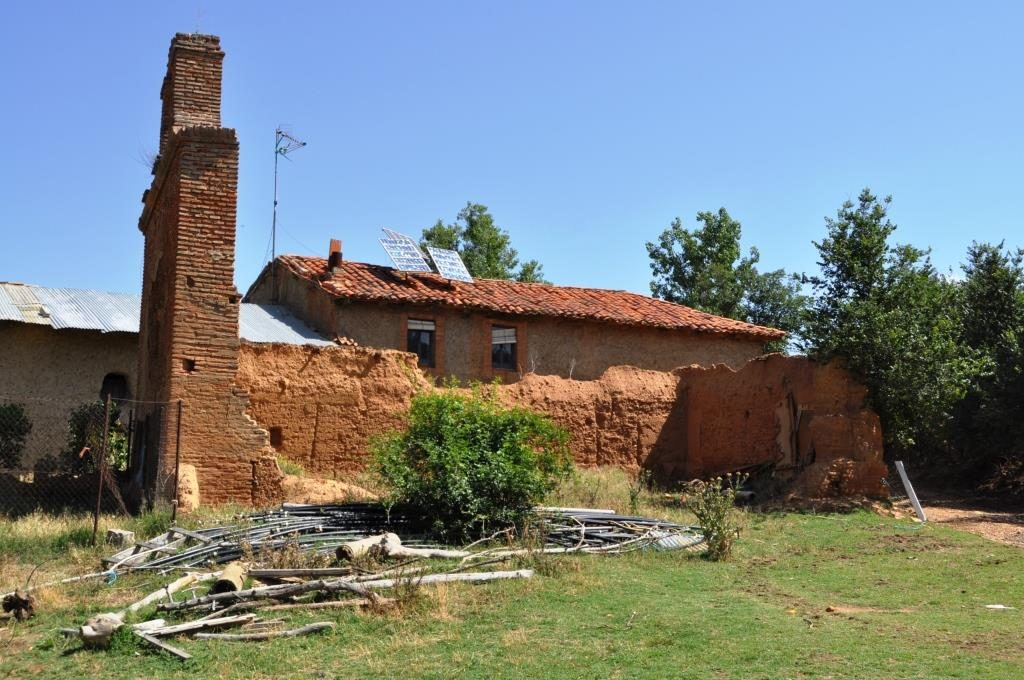 Ruinas de la iglesia de Farballes.