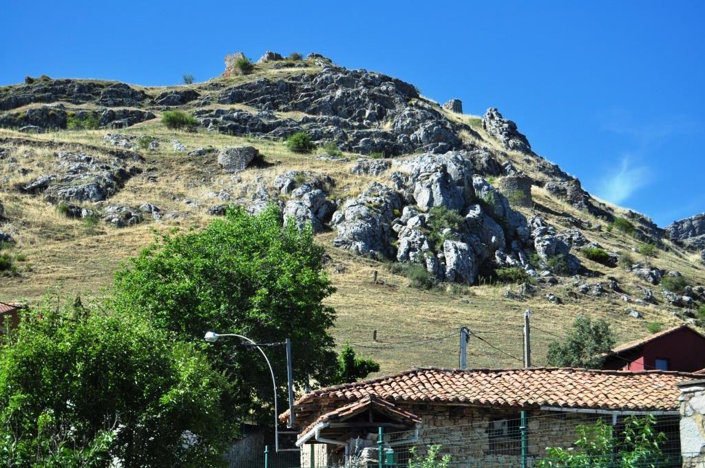 Ruinas del castillo de Aviados.