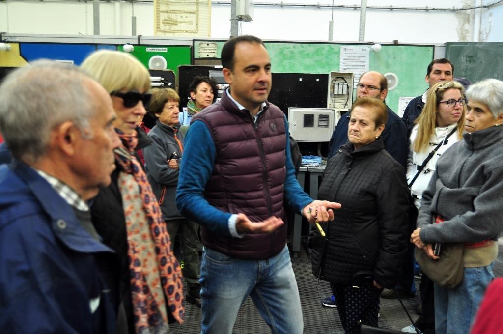 Acompañados por Pablo Delgado, también se visitaron algunos talleres de la Escuela.