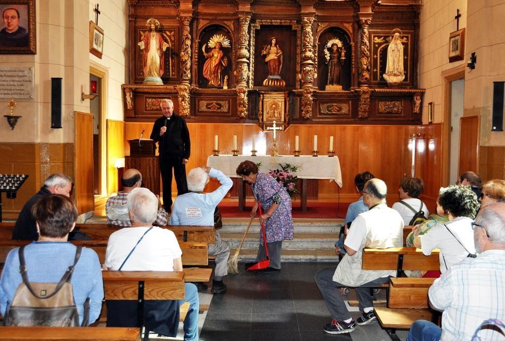En la iglesia de Otero de las Dueñas.