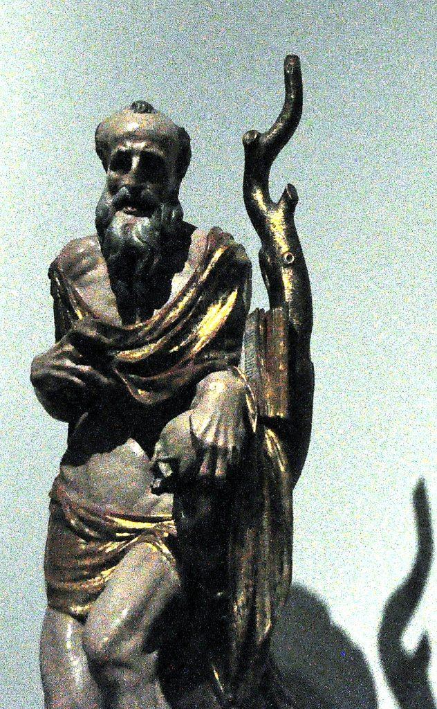 Una de las piezas de la exposición en la iglesia de San Esteban: El profeta David, procedente de VALDERAS (LEÓN)