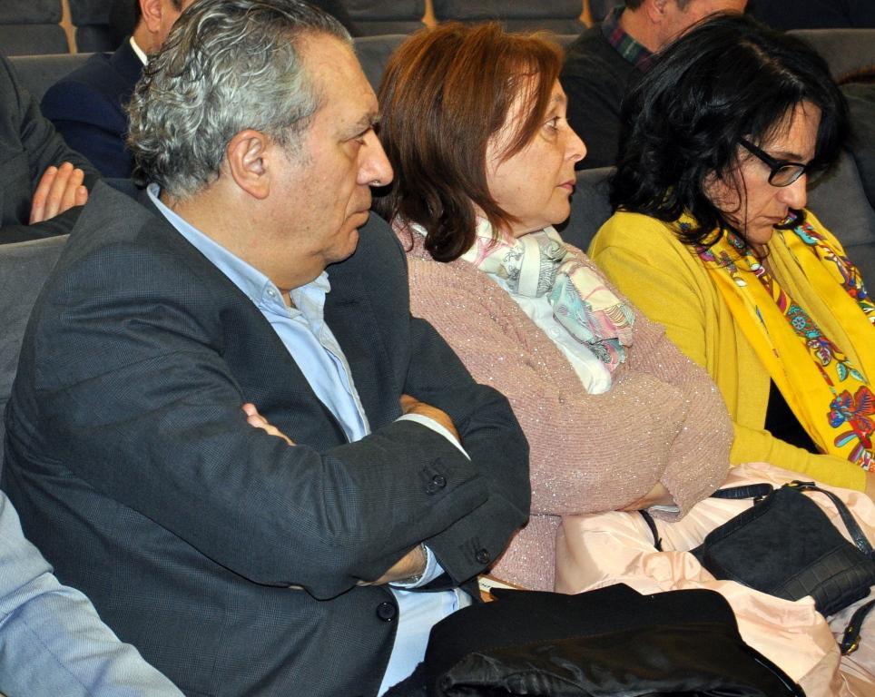 De derecha a izda. la subdelegada del Gobierno, Dña.mª Teresa Mta, la concejala de Bienestar Social del Ayto. de León, Dña. Aurora, y el responsable del Instituto Leonés de Cultura, D. Alonso Ares.