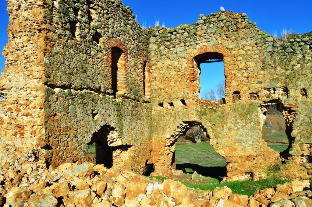 Vista interior de los muros norte y este.