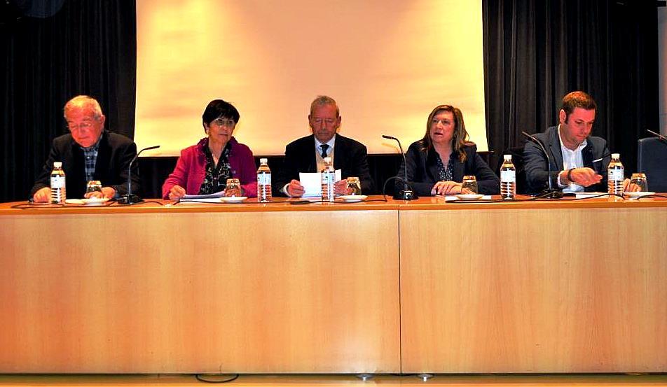Intervinientes en la presentación. De izda a dcha. Víctor Ferrero, Mar, Marcelino Fernández, Mª Antonia Gancedo e Iván Alonso.