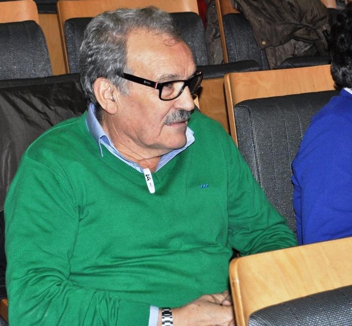 D. José Luis Prada, Socio de Honor de Promonumenta, entre los asistentes al acto.