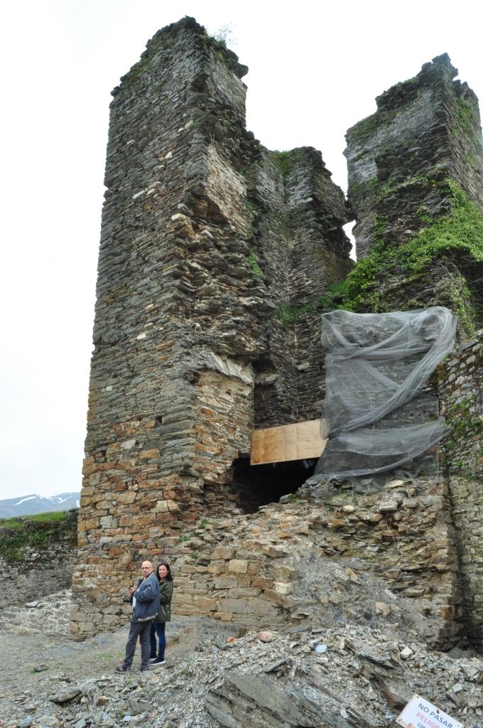Vista del derrumbamiento de la torre.