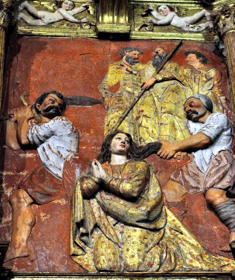 Relieve de la decapitación de Santa Marina, en el retablo, de Lucas Formente (1579).