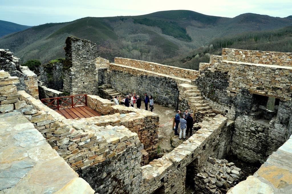 Así han avanzado las restauraciones en el interior del castillo de Sarracín.