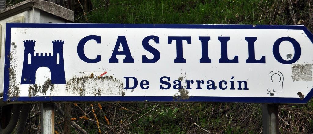 Agradecemos al Ayuntamiento de Vega de Valcarce que haya puesto el logo de Promonumenta en la señalización del castillo.