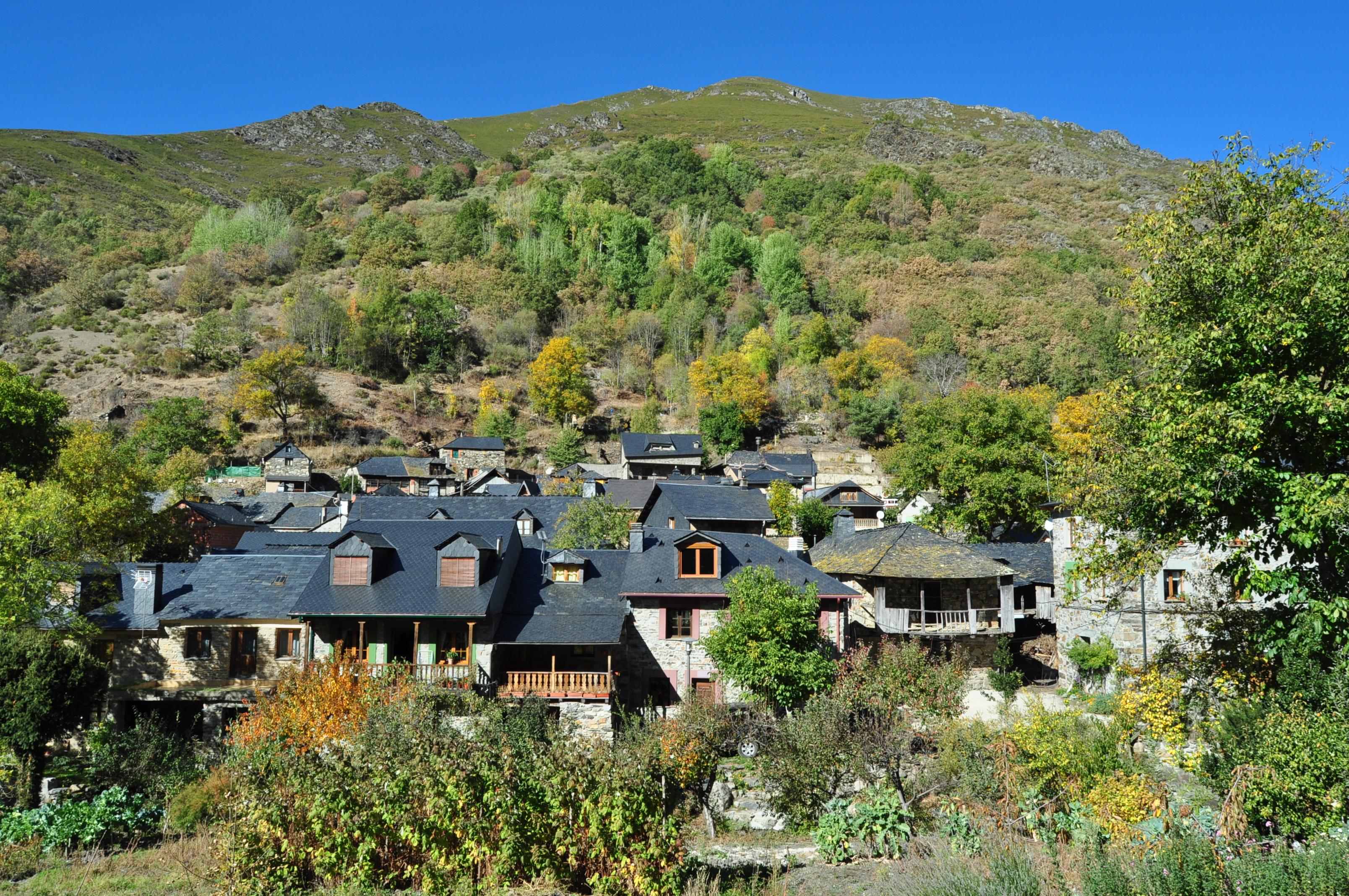 Vista del barrio oeste de Colinas del Campo.