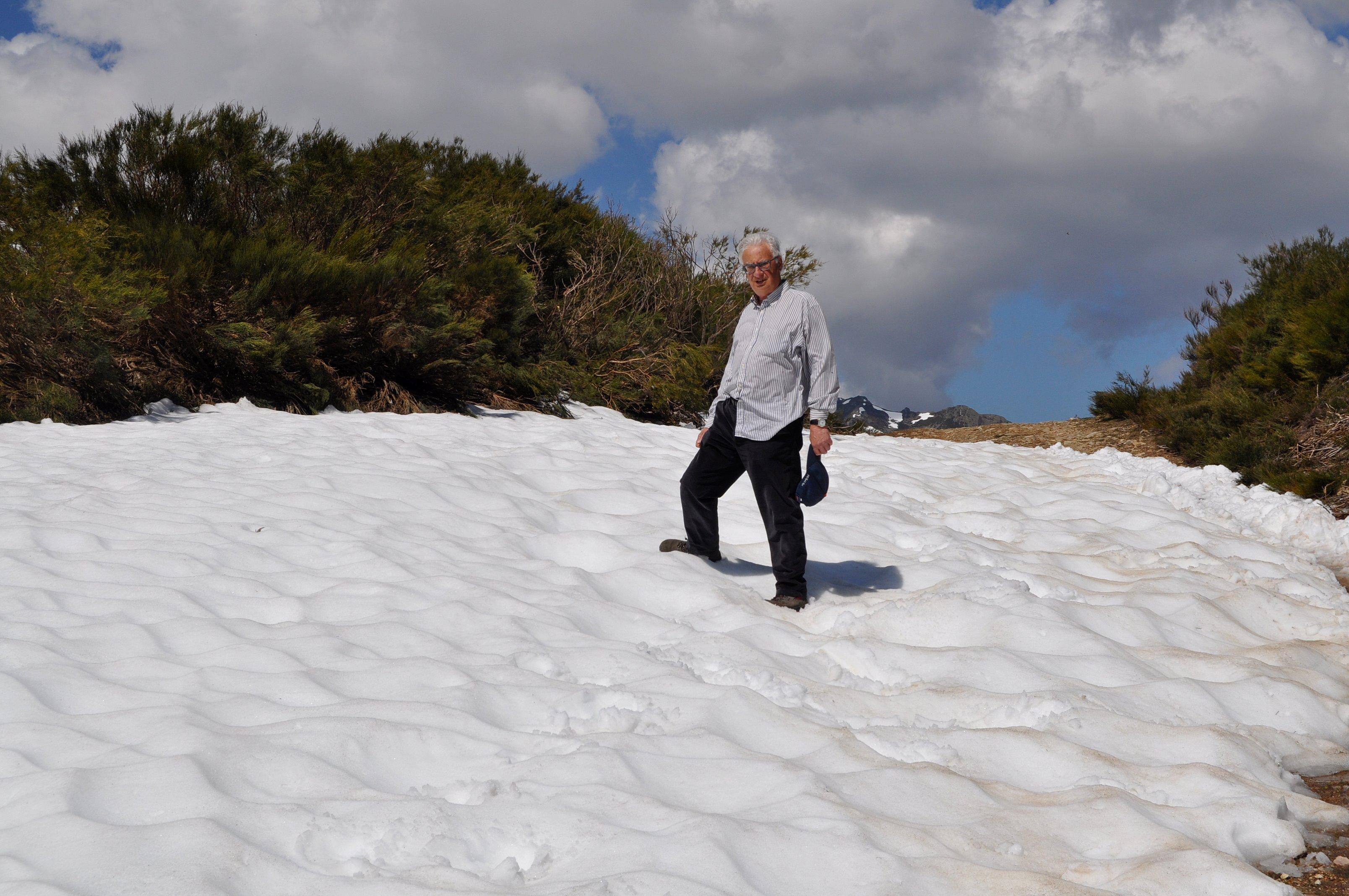 Algo de nieve quedaba en el Collado.