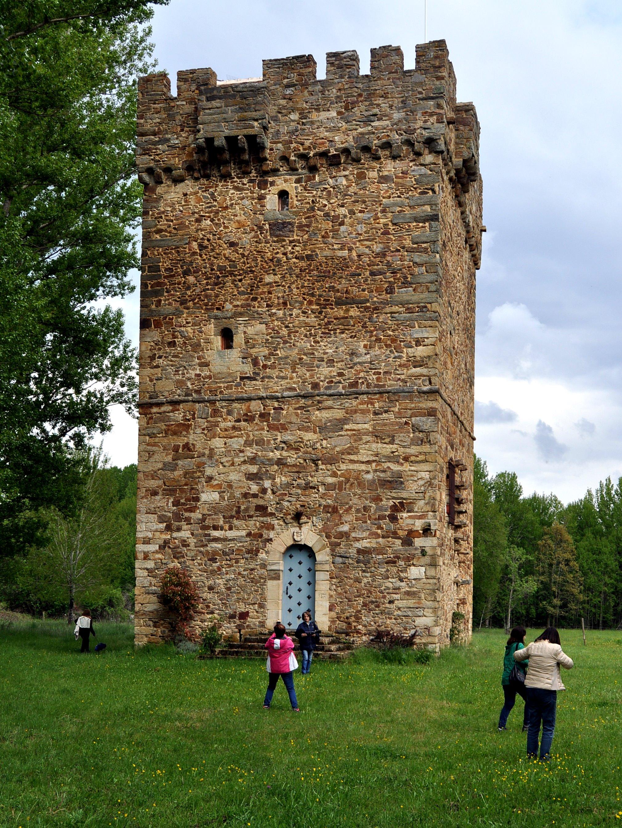 Torreón de los Osorio, del antiguo castillo de Turienzo.