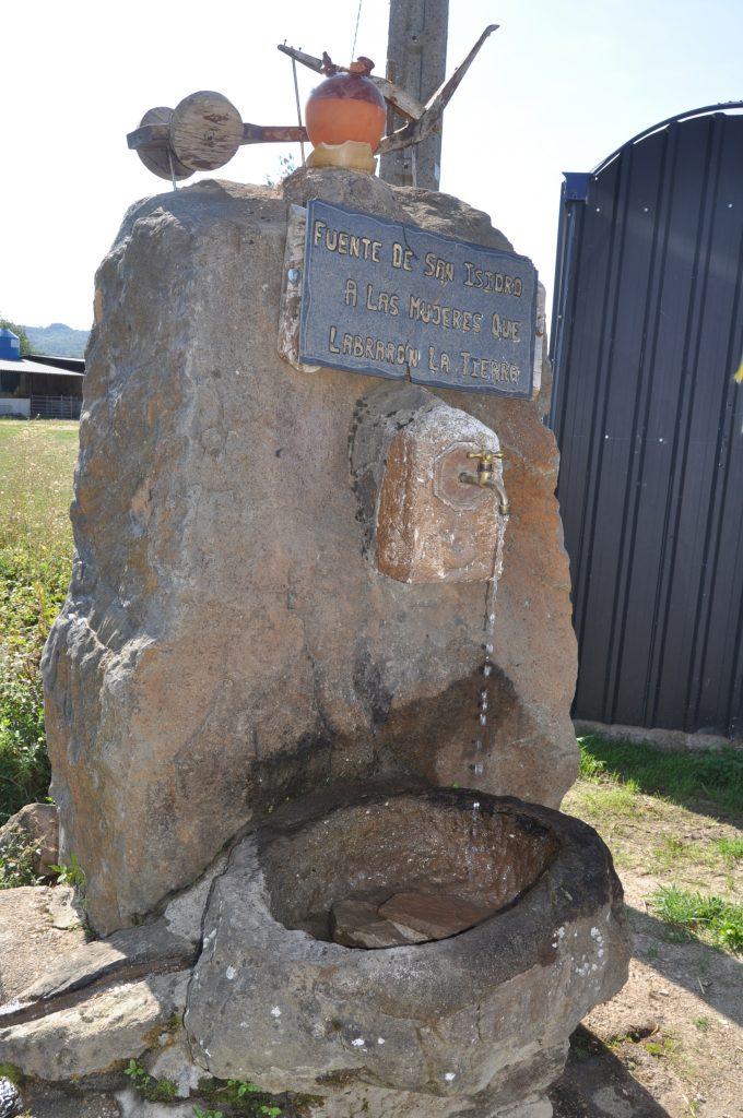Fuente de los Fósiles. En Quintana de Fuseros.