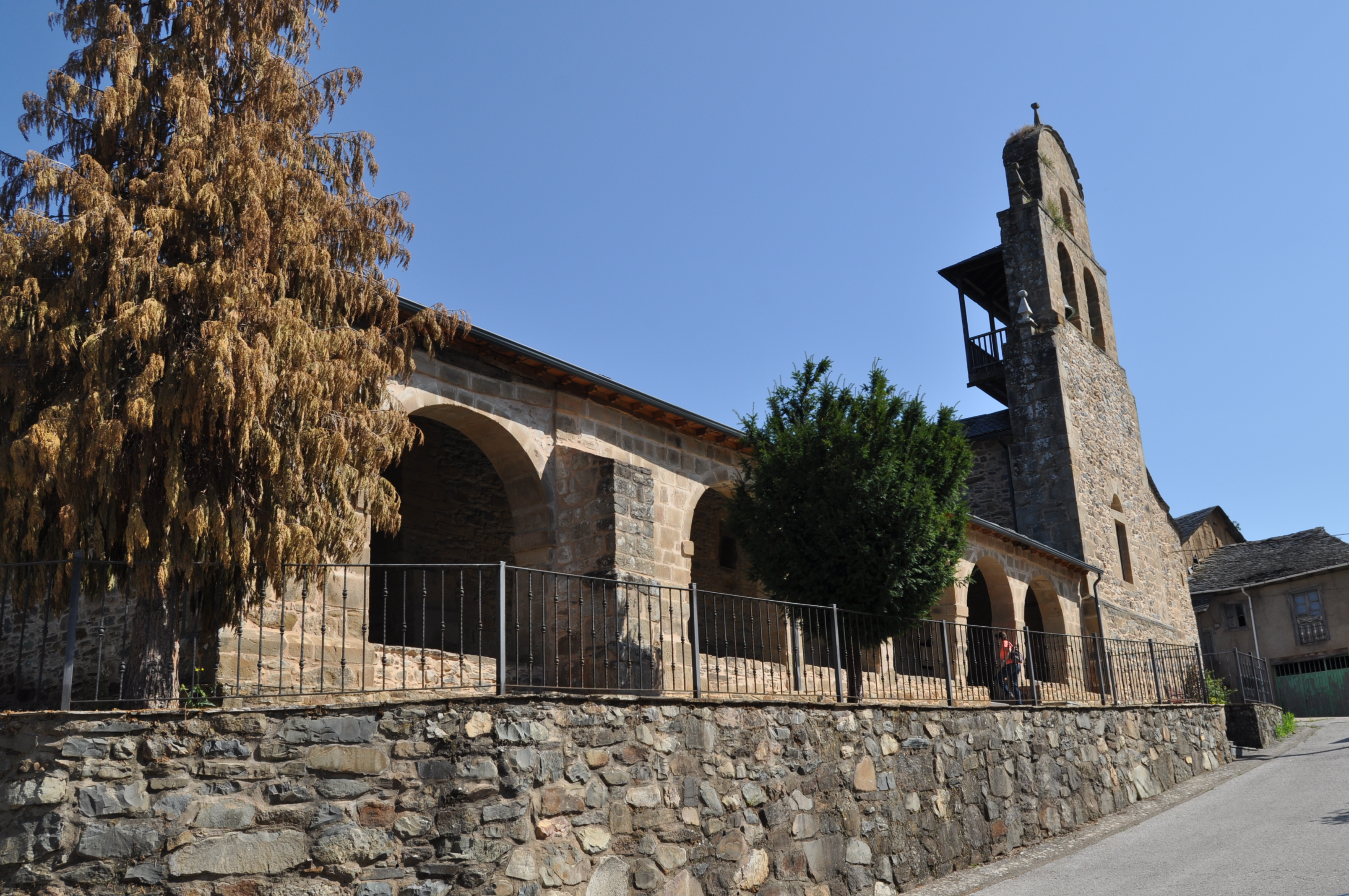 La gran iglesia San Pedro, en Noceda del Bierzo (s. XVII).