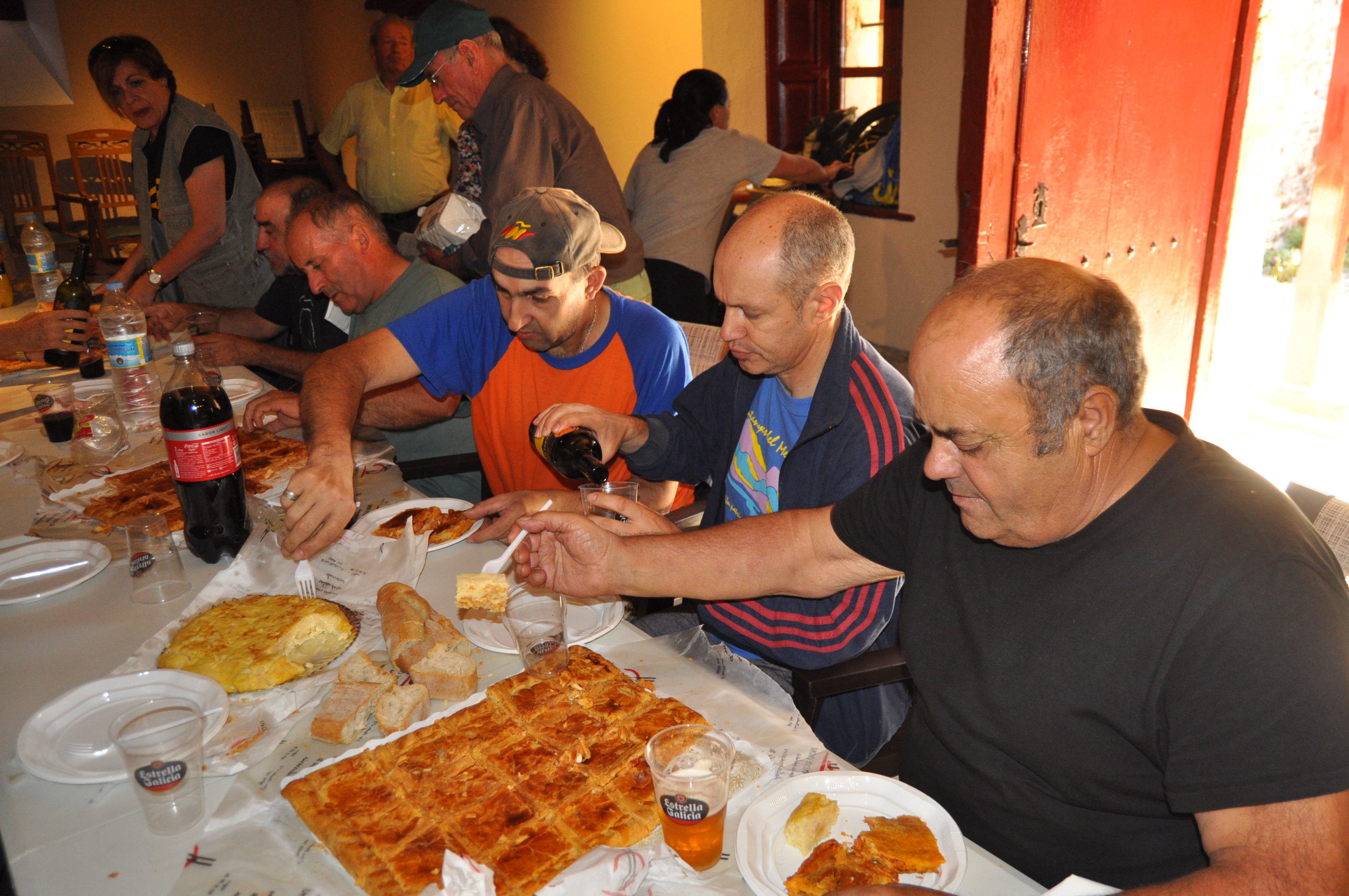 """Comiendo en la """"Casa Maragata"""" de Santa Colomba."""