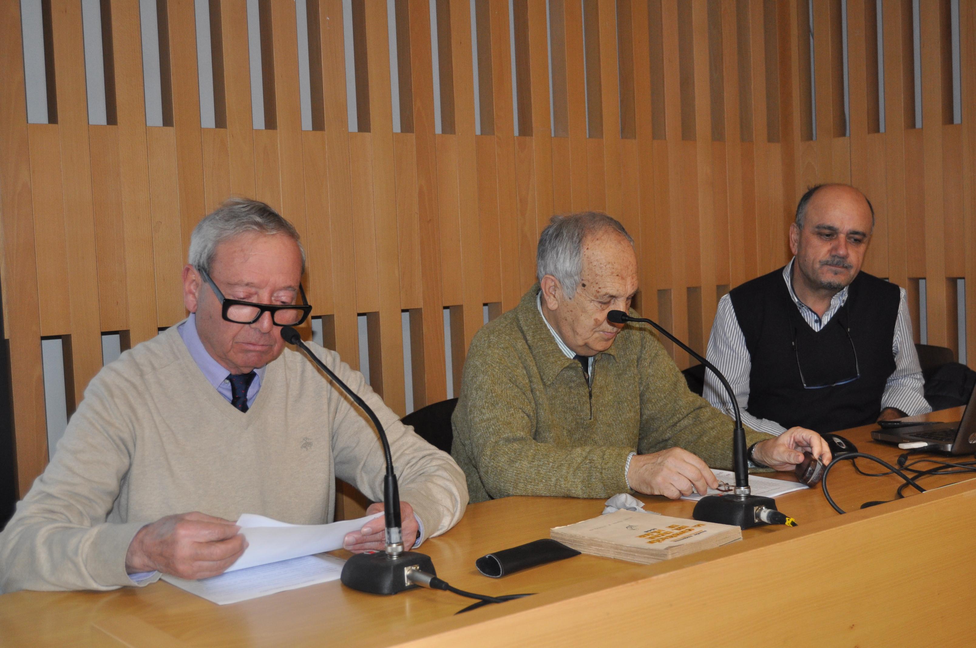 Presentación del acto por D. Marcelino Fernández, presidente de Promonumenta.