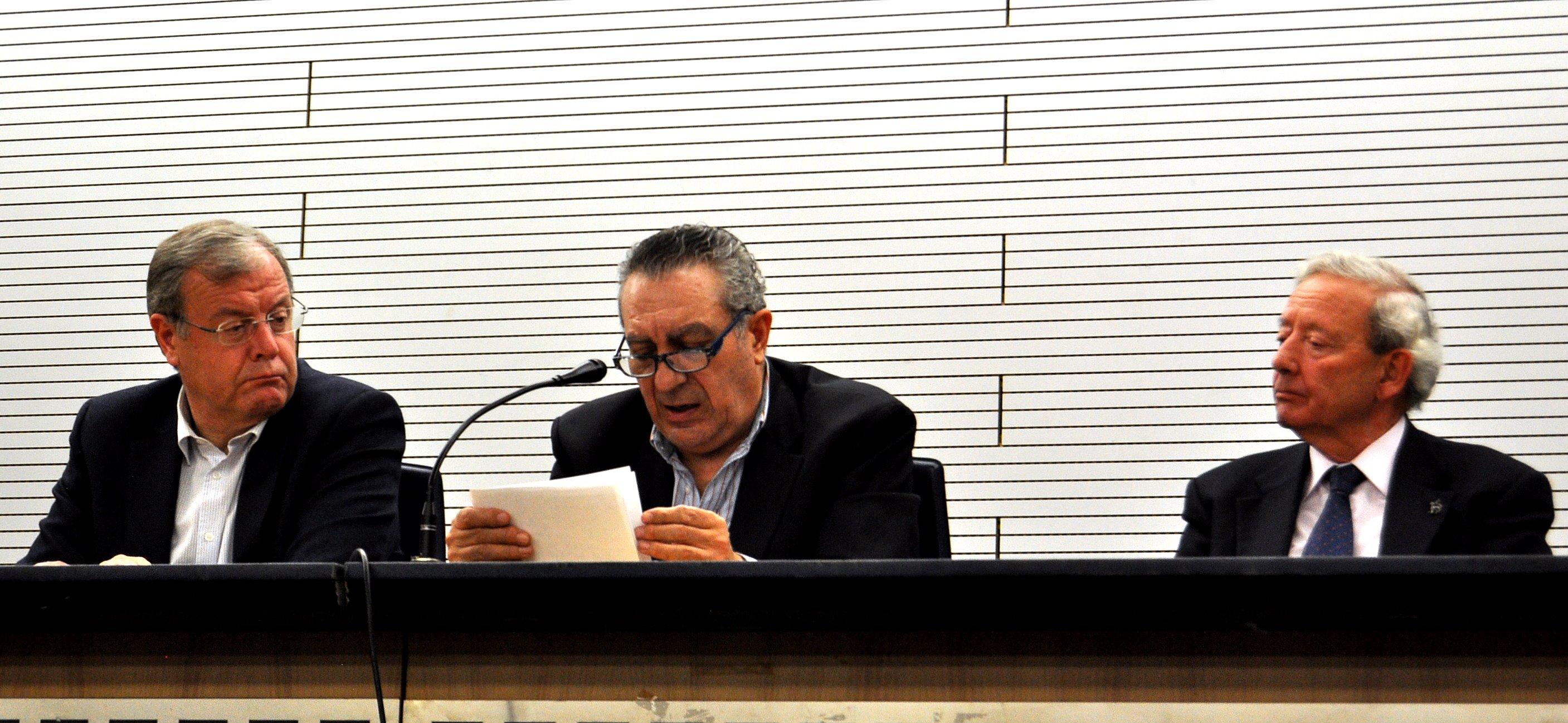 Adolfo Alonso Ares en un momento de su presentación