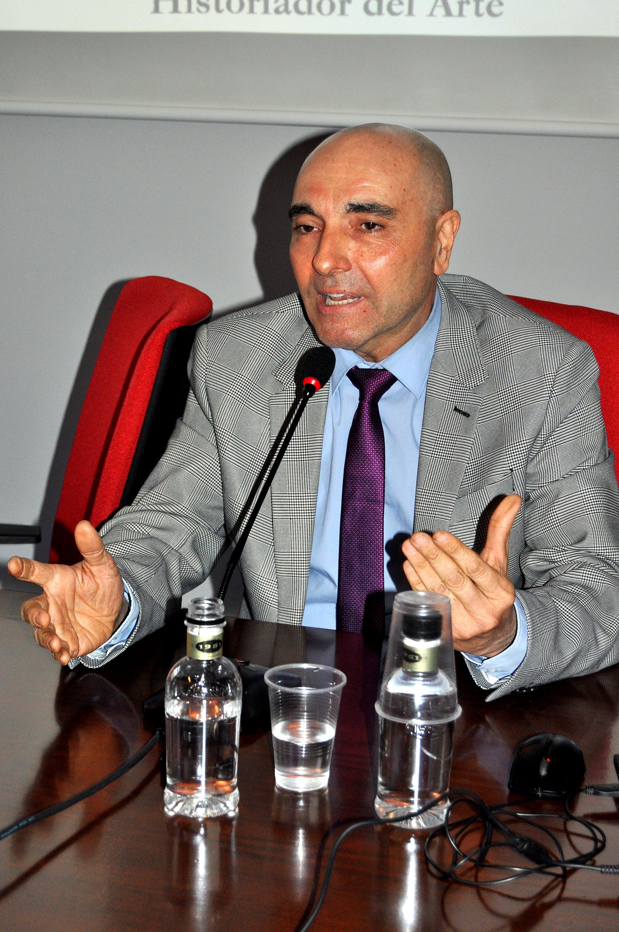 Javier Caballero Chica en un momento de su conferencia.
