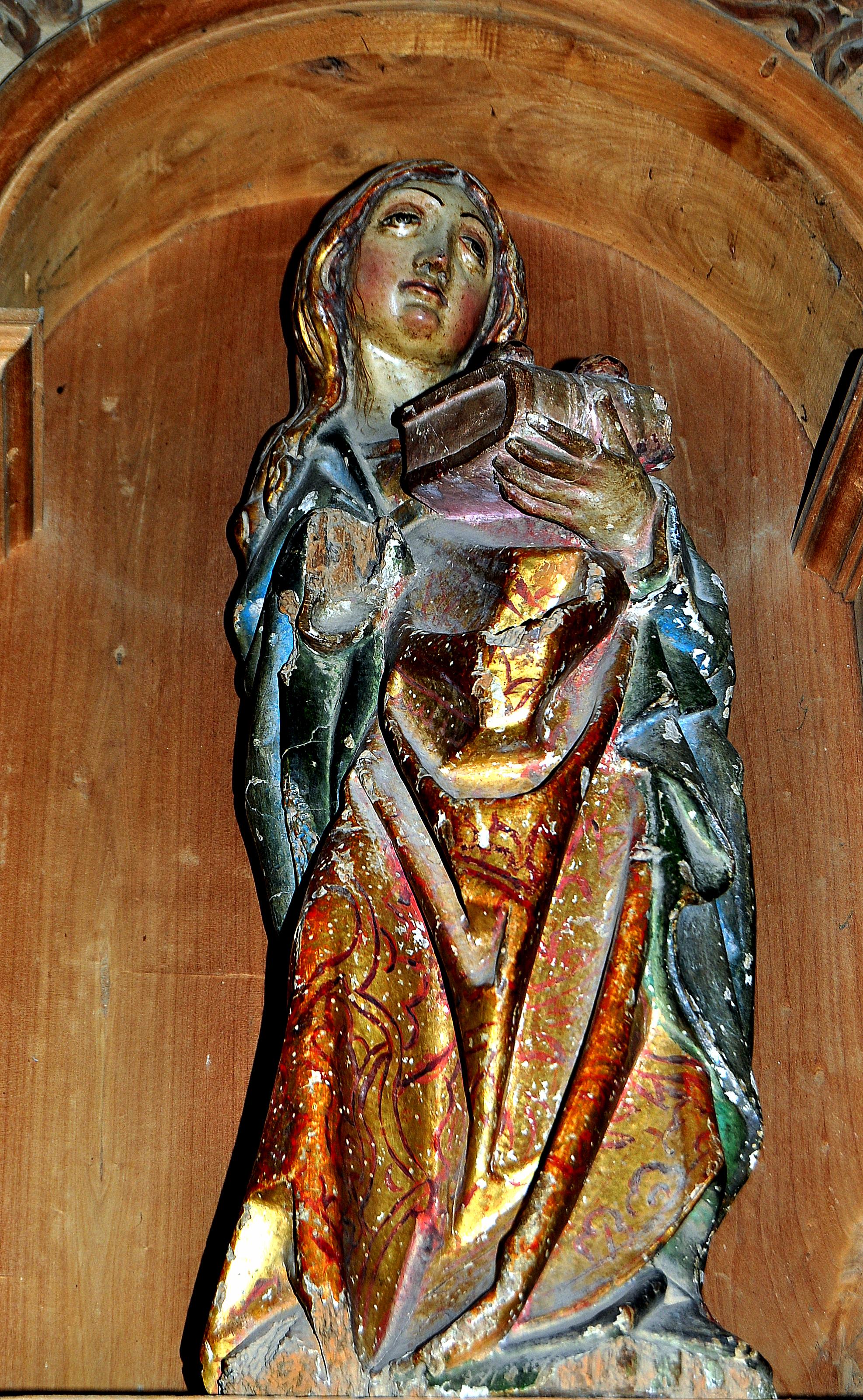Villacé. Santa Lucía, S. XVI. La talla guarda cierto parecido con la Virgen de la Encina de Ponferrada, (Foto David GL)