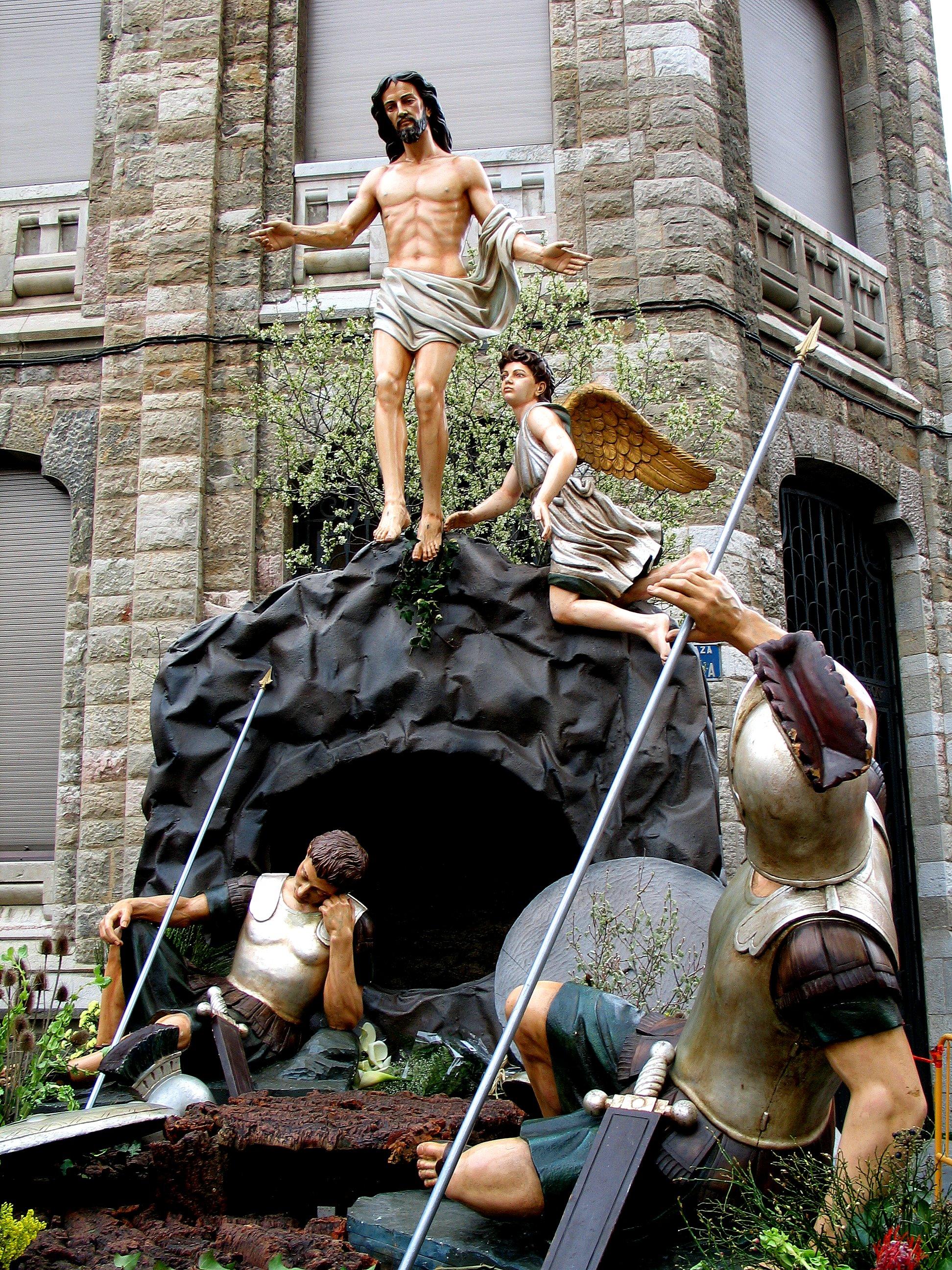 La Resurrección, de Víctor de los Ríos. Paso de la cofradía de Jesús Divino Obrero, que procesiona el Domingo de Pascua.