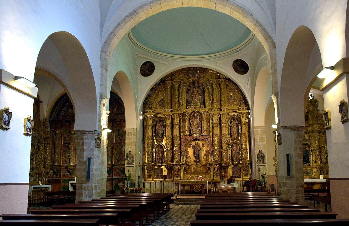 Villamañán. Interior de la iglesia (Foto J. A. Gª Villar)