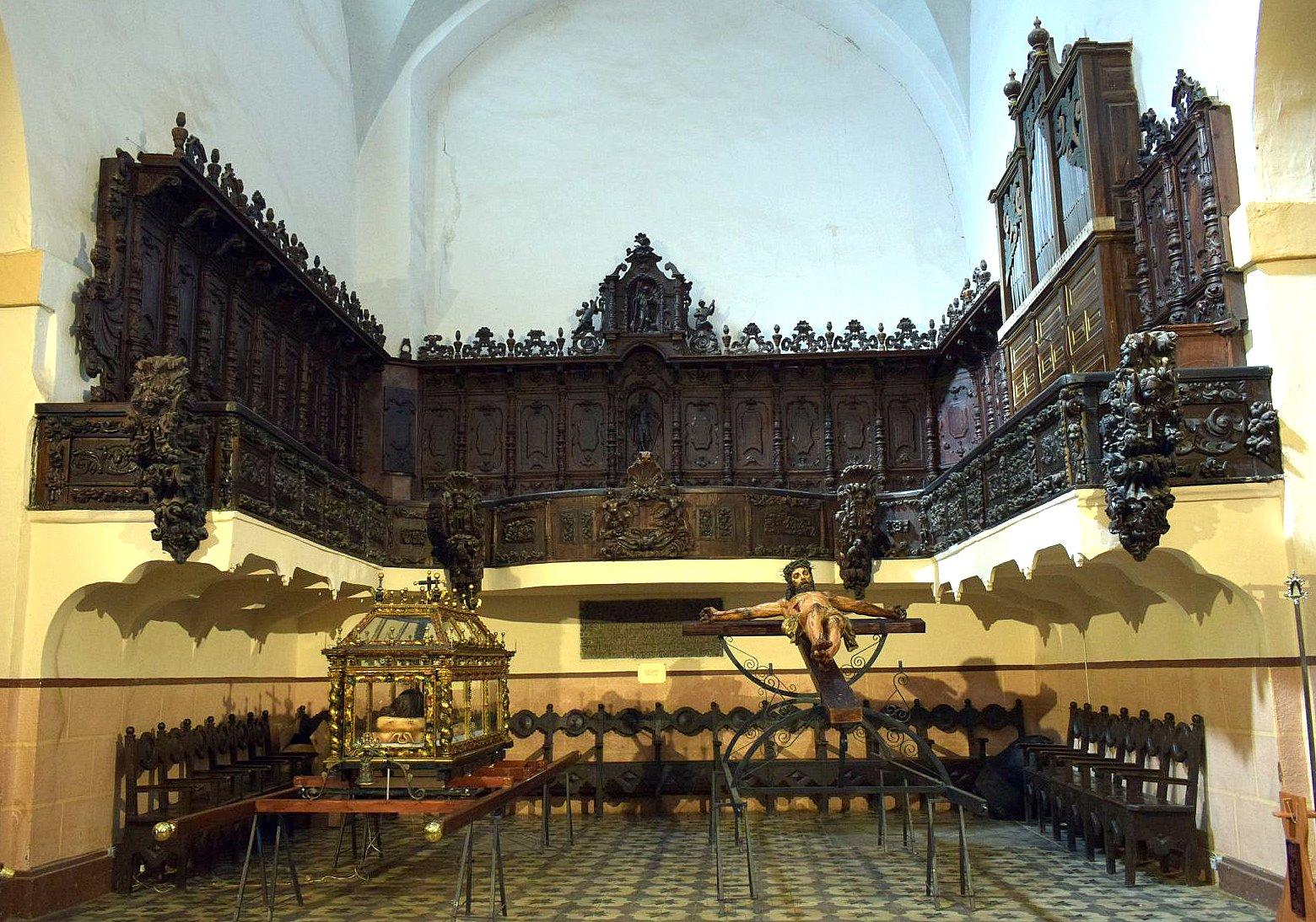 Iglesia de Villamañán. Coro procedente del monaterio de Eslonza (Foto J.A. Gª Villar).