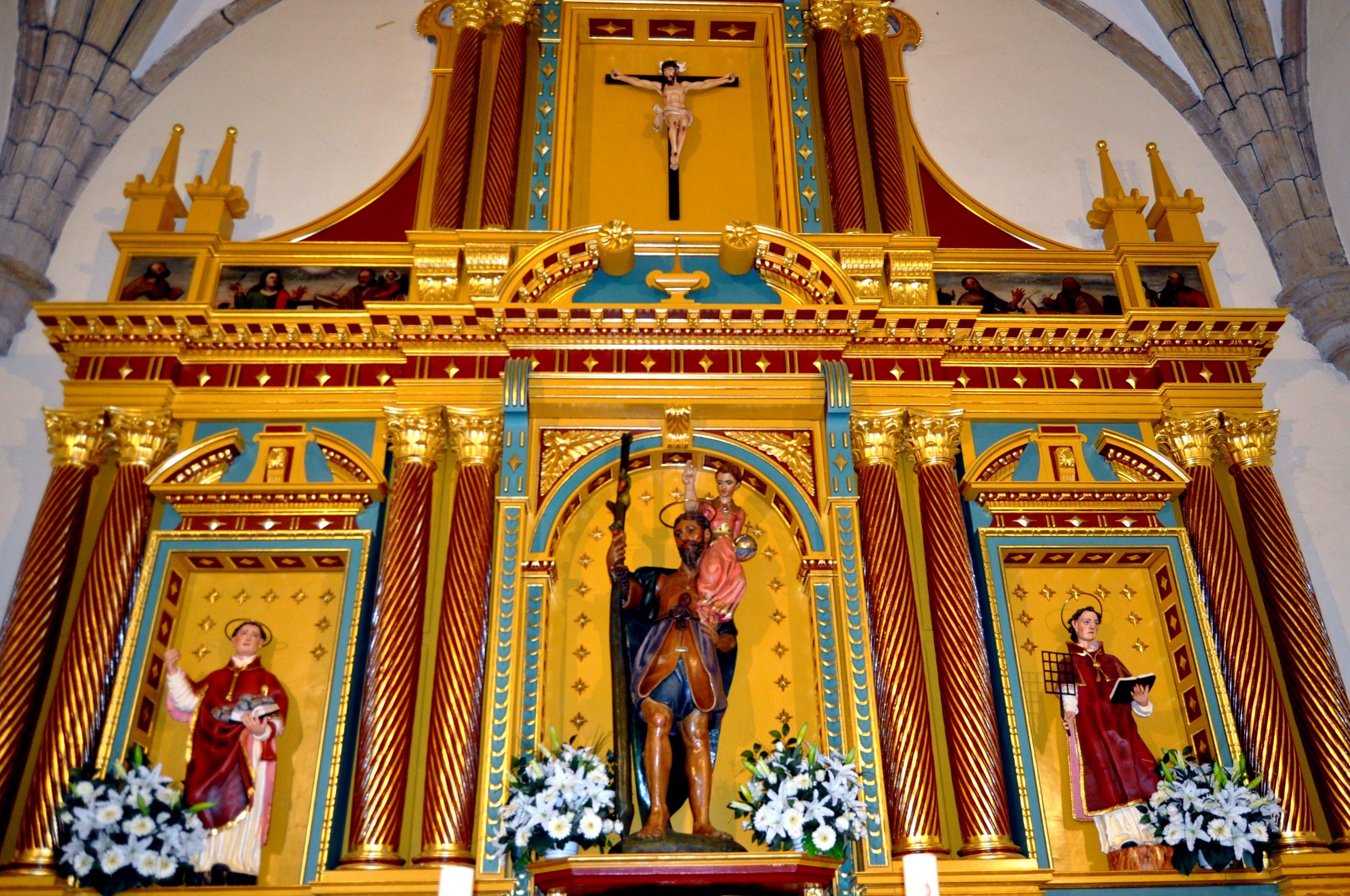 Cubillos del Sil. Retablo iglesia San Cristóbal (s. XVII). Recien restaurado.