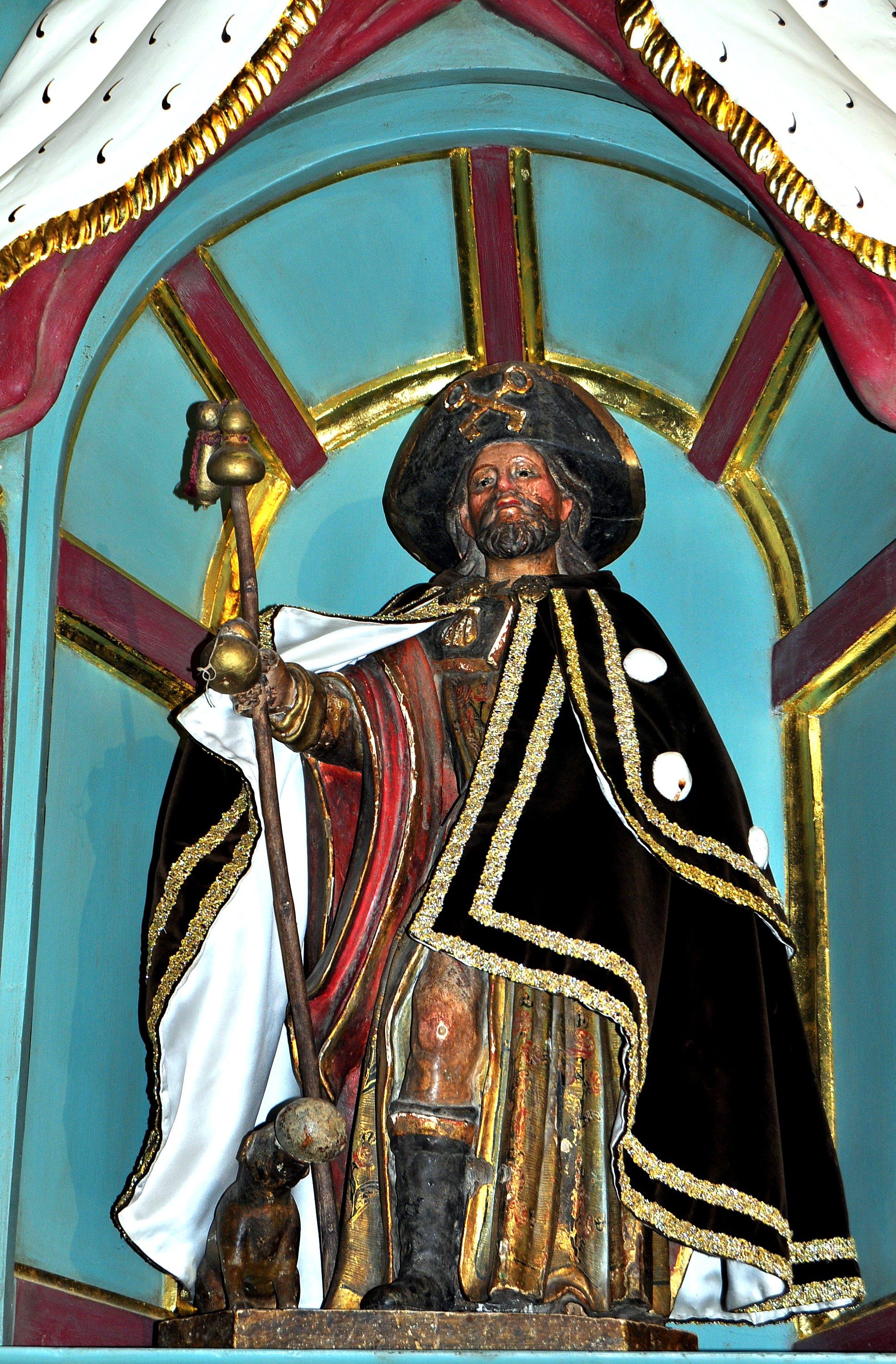 Cubillos del Sil. Ermita de San Roque: Curiosa imagen de San Roque vestido de peregrino.