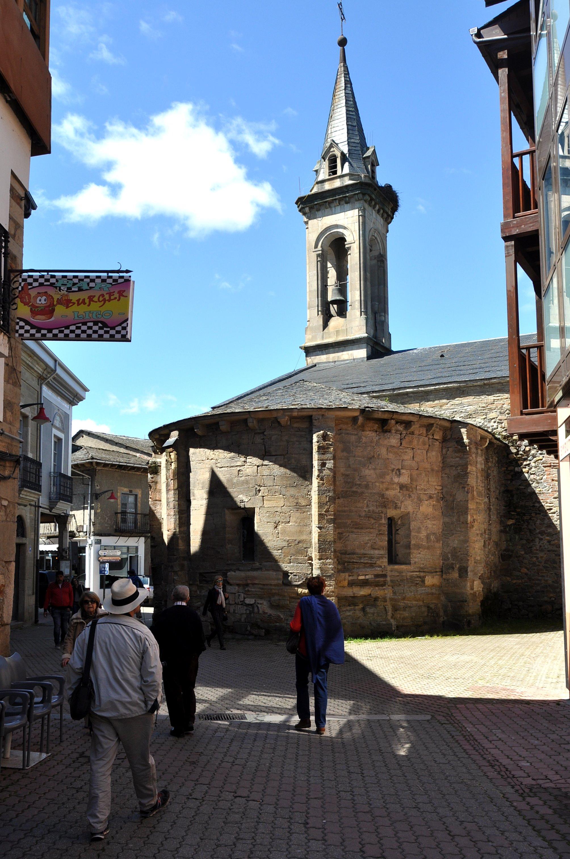 Cacabelos. Ábside románico de Santa María.