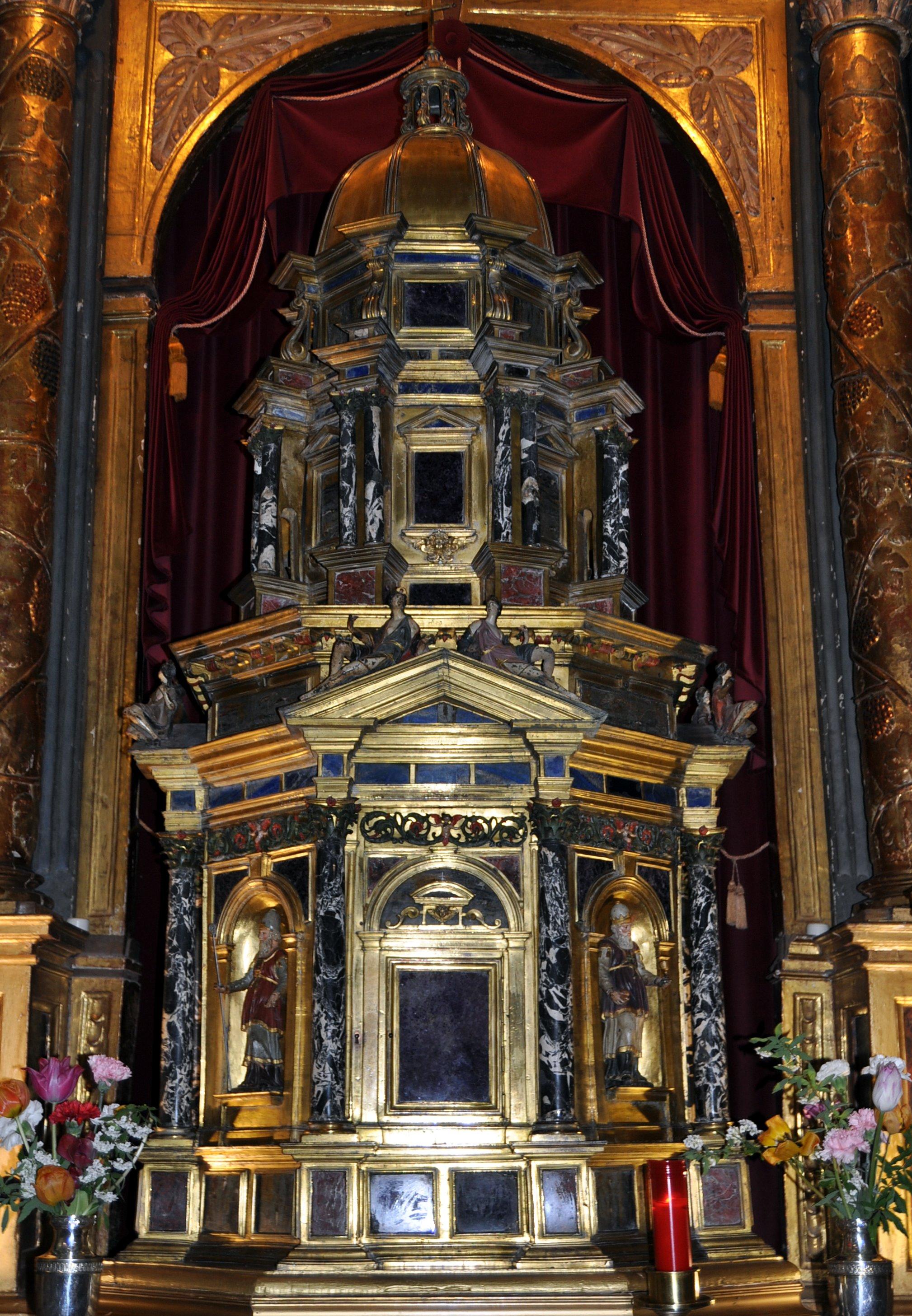 Villafranca. Iglesia de la Anunciada. Tabernáculo italiano (s. XVII) de 2m. altura.