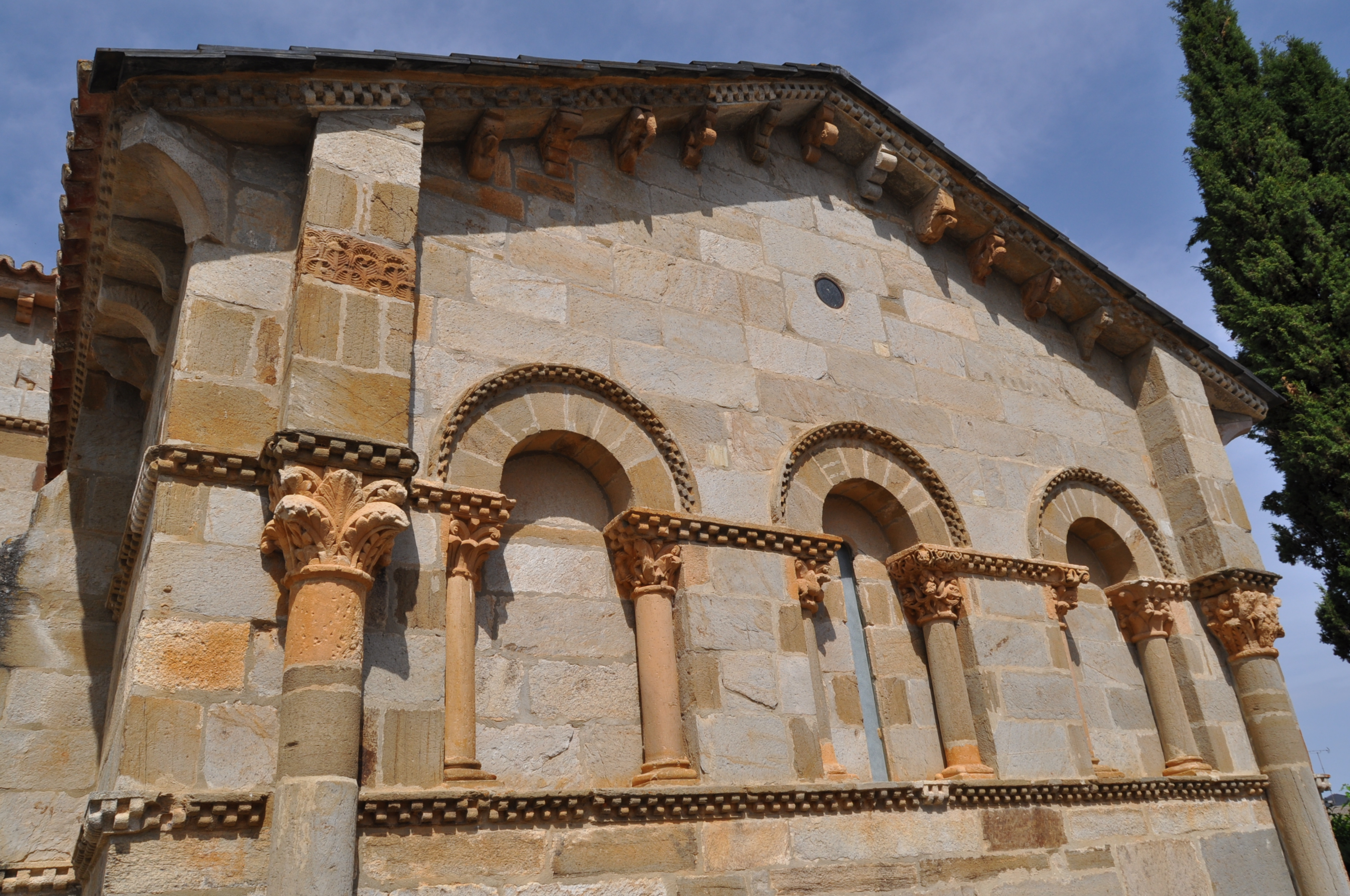 Ábside de Santa Marta de Tera (Zamora)