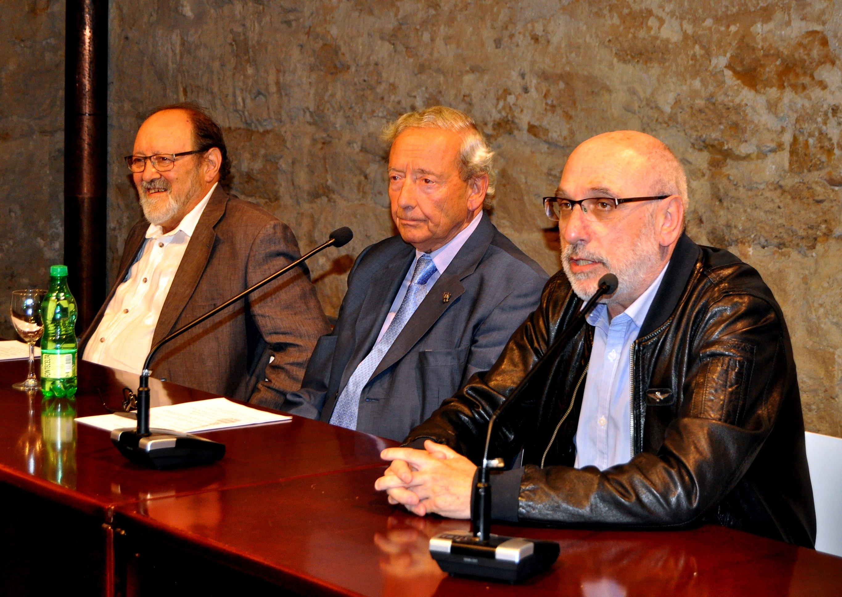 De izda a dcha, Juan Carlos Ponga, Marcelino Fernández y Victorino Marcos.