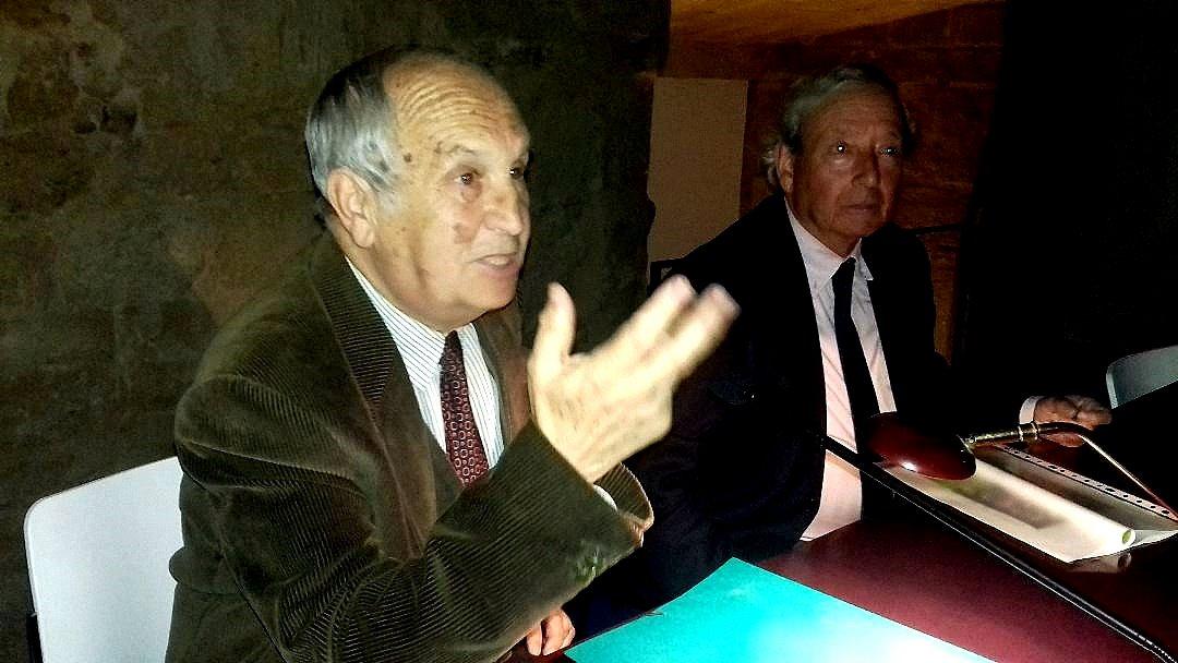 José Luis Gavilanes en un momento de su conferencia.
