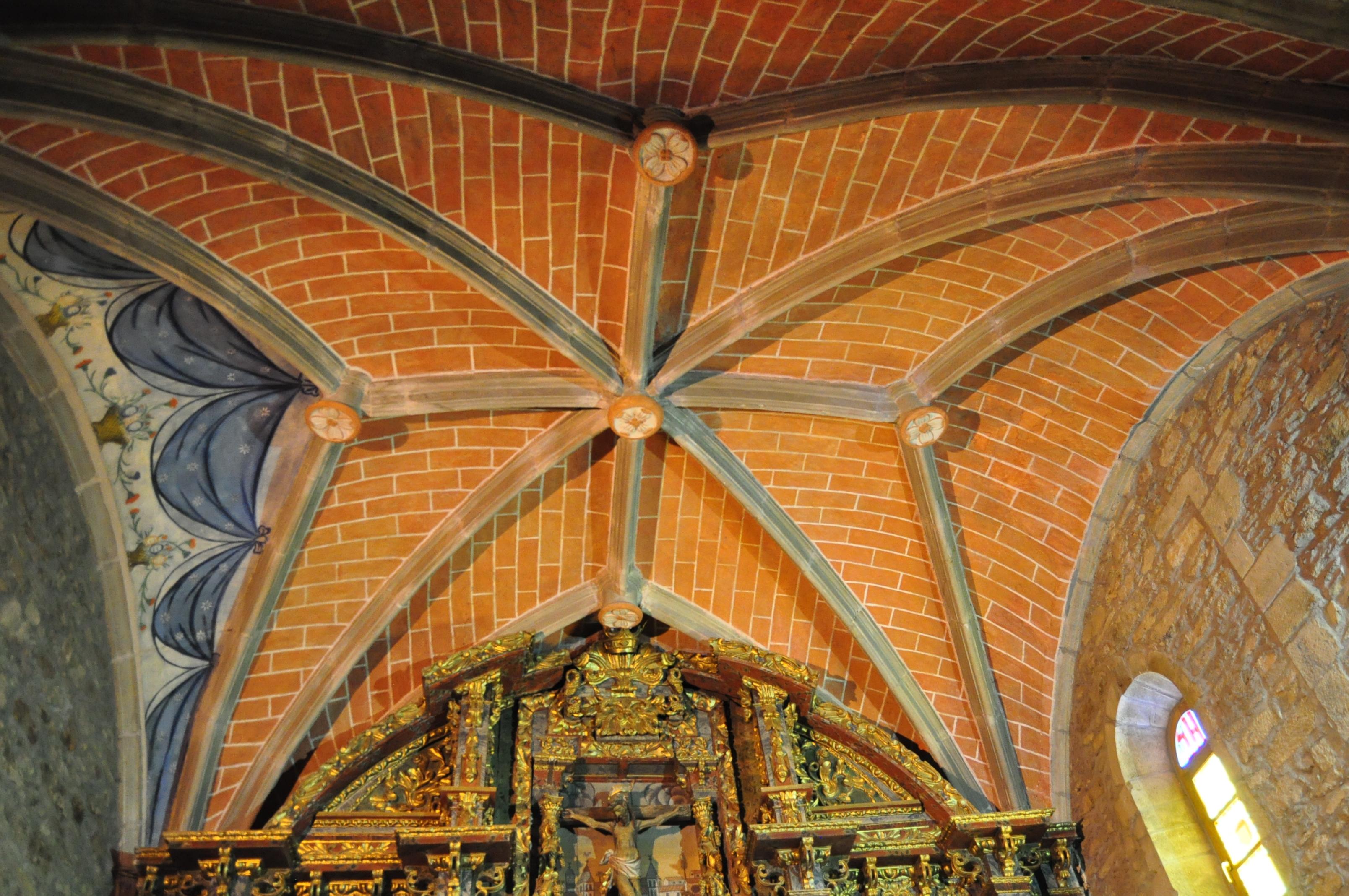 Crucería en la cabecera de la iglesia de santa Marina.