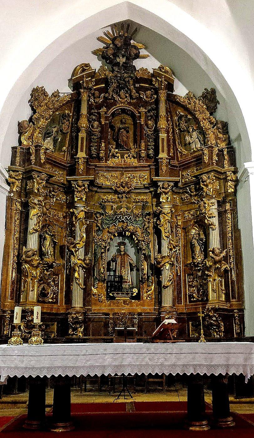 Sahagún. Retablo barroco de la iglesia de San Lorenzo. (Foto Ramón Fdez. Calderón)