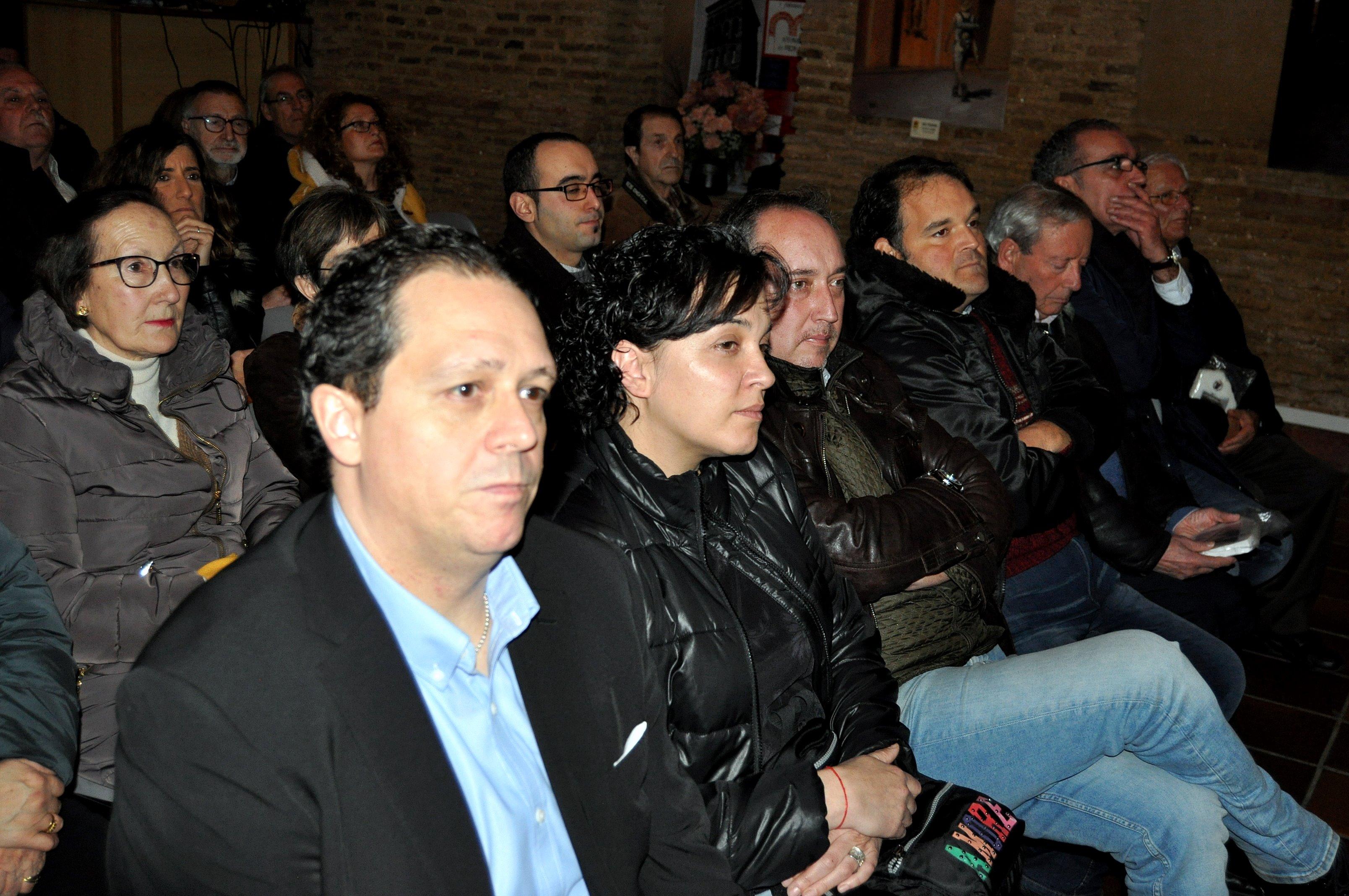 Representantes de ayuntamientos y asociaciones organizadores.