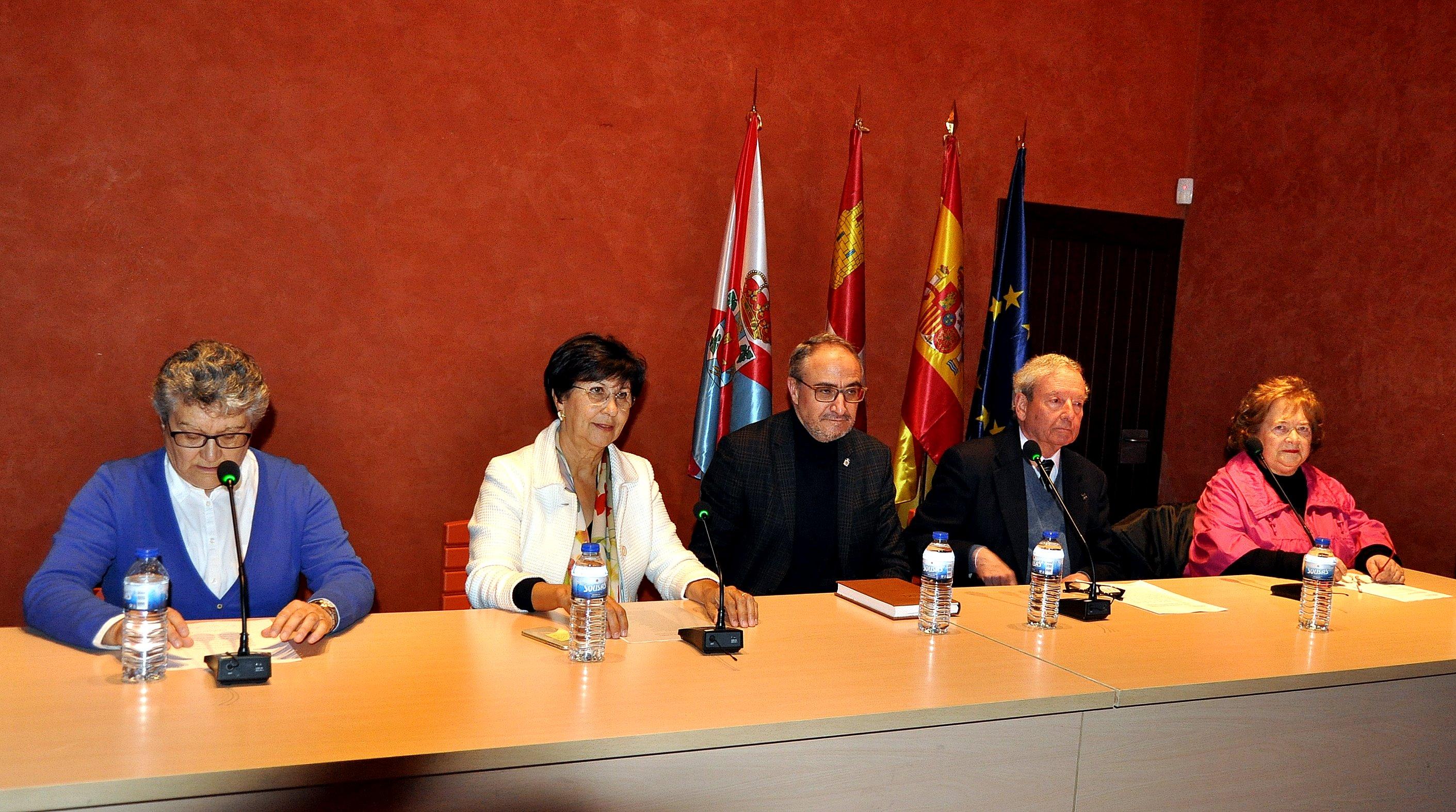 Yolanda Ordás, en la derecha de la foto, y Ana Carballo, a la izquierda.