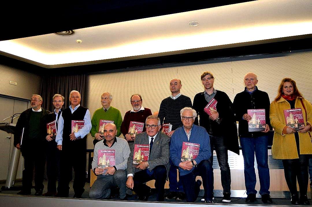 El grupo de autores e la revista XVI.