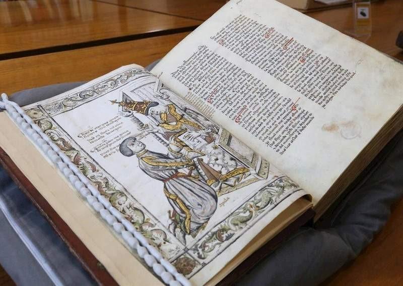 Códice llevado a expo en Palacio Venecia de Roma