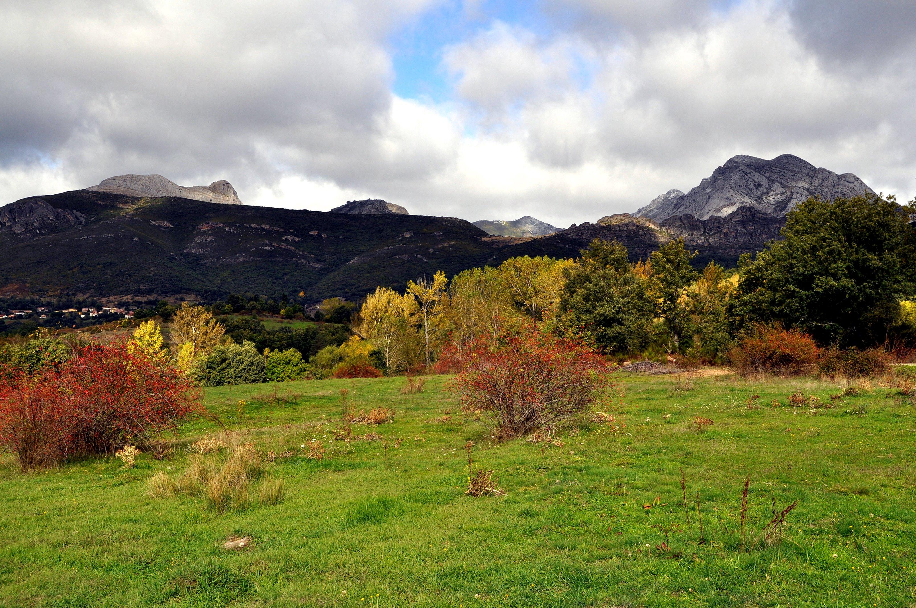Desde la Peña de Valdorria hasta Pico
